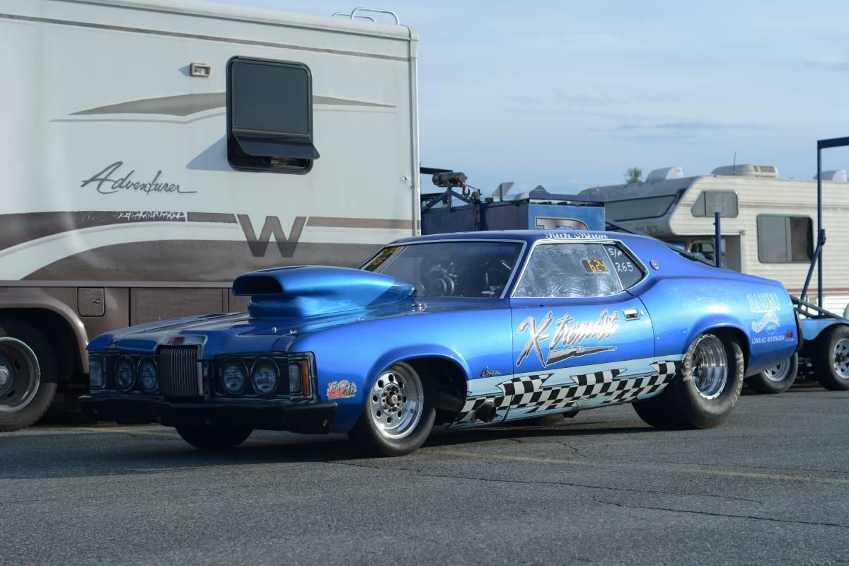 a blue muscle car