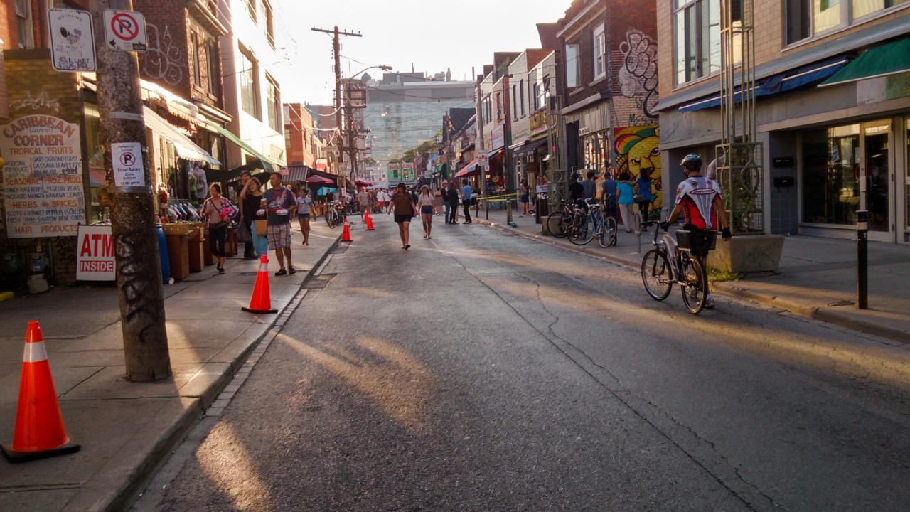 Kensington Market in Toronto, streetview