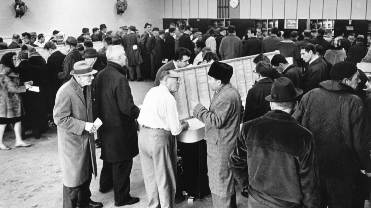 A lineup at an LCBO store in 1965
