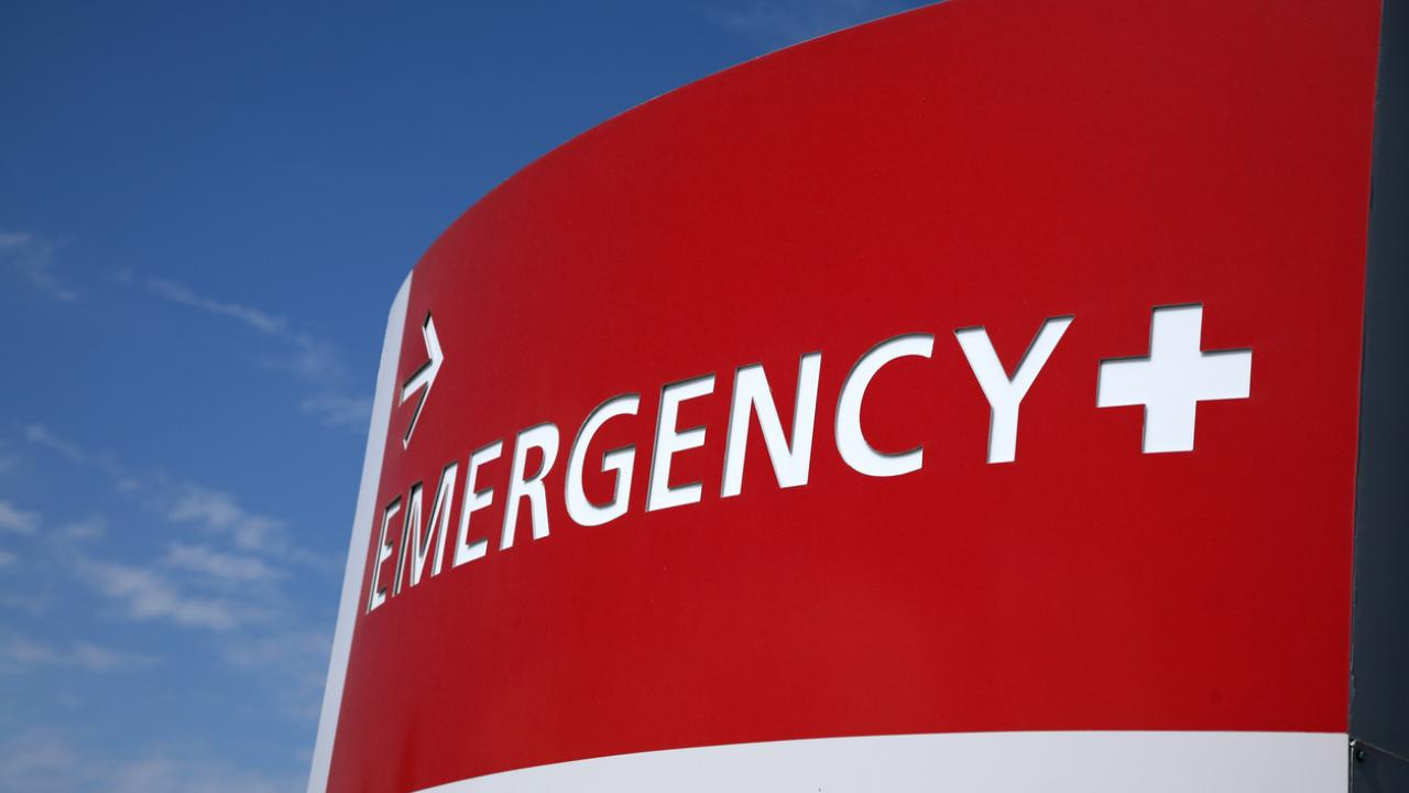 an emergency room sign