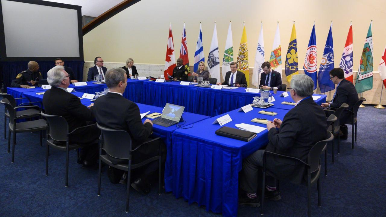politicians meeting about gun violence