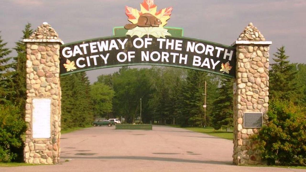 """sign reading """"Gateway to the North — City of North Bay"""""""