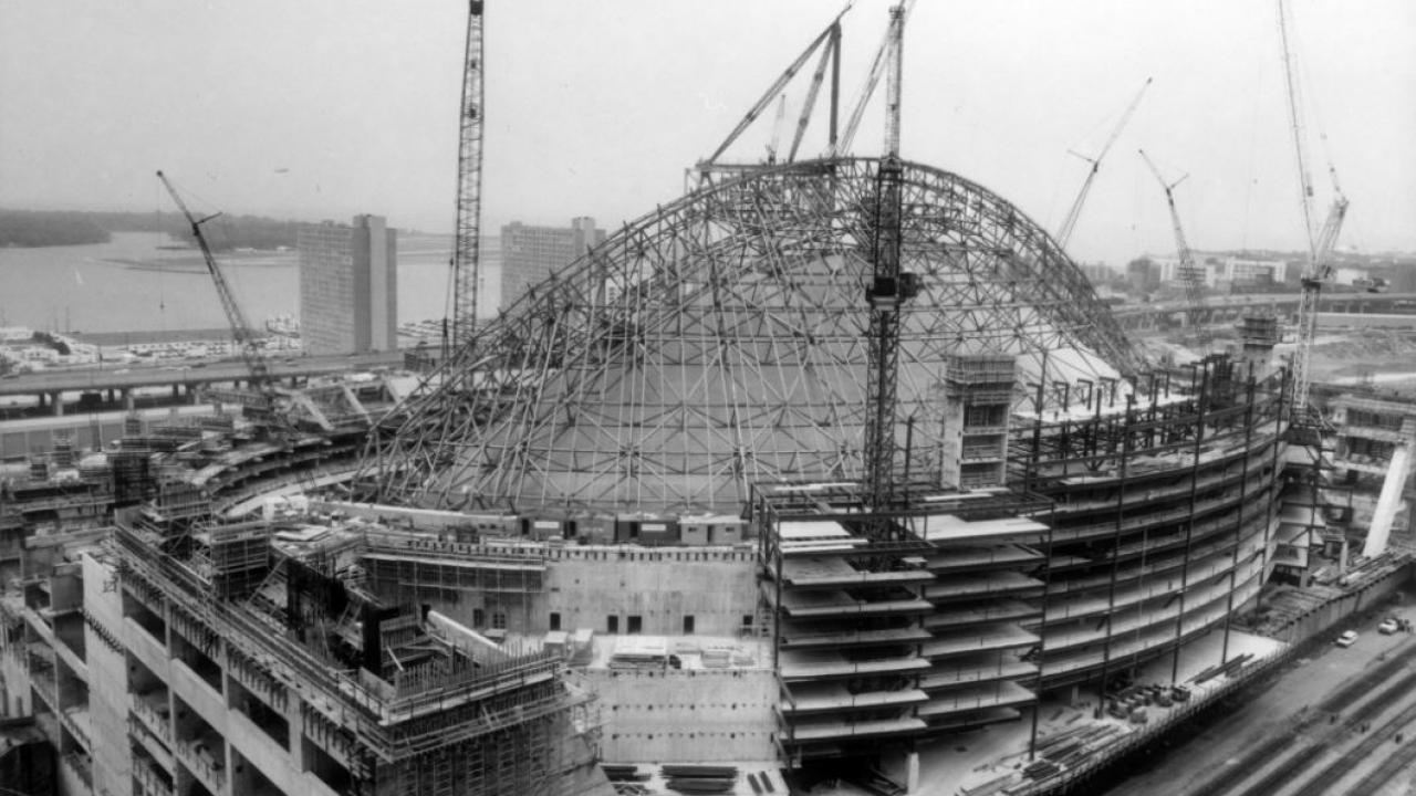 construction of Toronto's Skydome