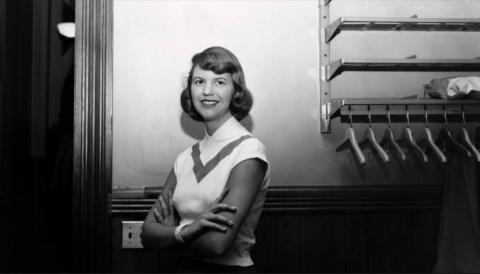 a black and white photo of  author Sylvia Plath