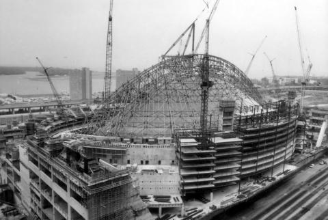 construction of Toronto's Skydome