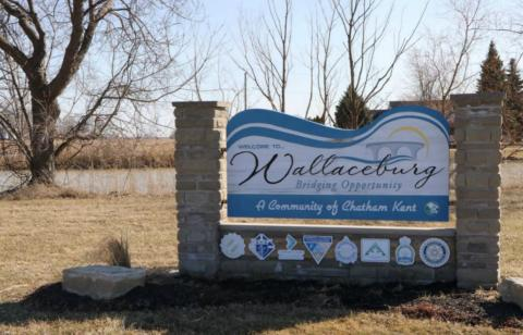 Wallaceburg welcome sign