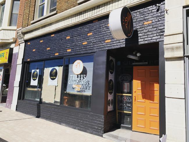 a closed restaurant in Ottawa