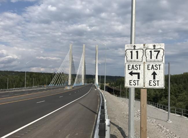 highway signs in Ontario